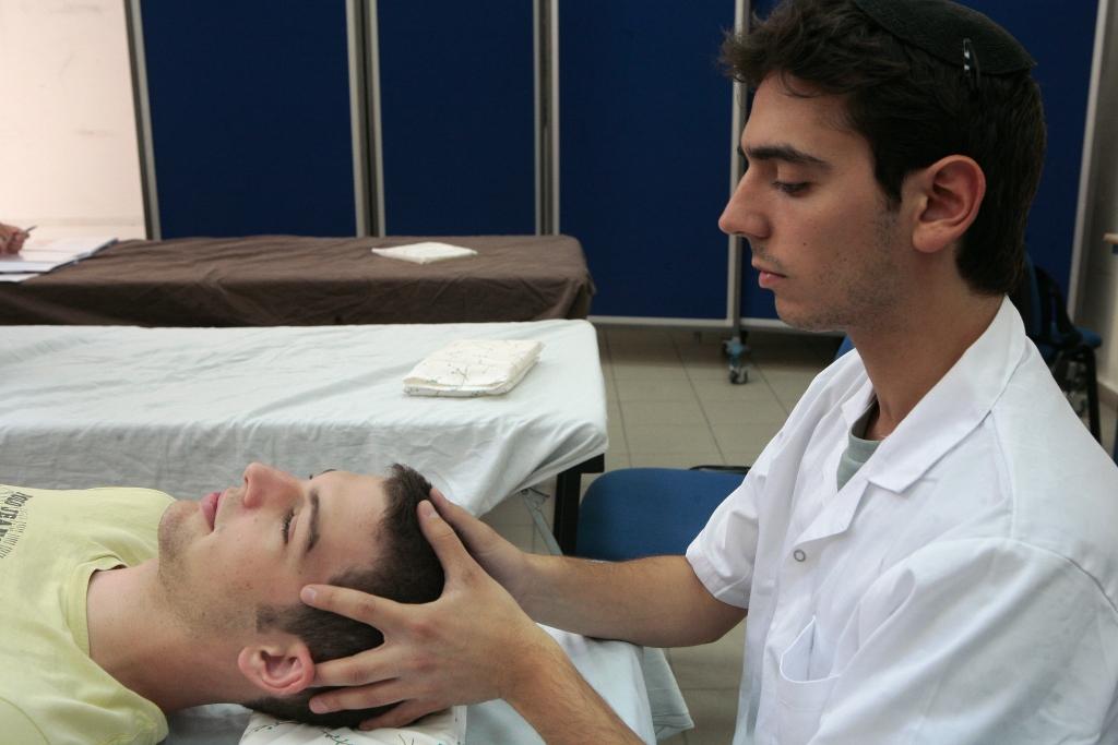 טיפול אוסטאופתי בקרניו סקראל